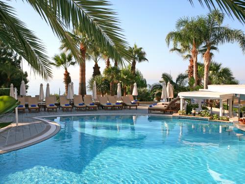 hôtel mediterranean beach hotel ****