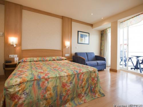 h tel guitart gold central park aqua resort avec transport voyage espagne s jour barcelone. Black Bedroom Furniture Sets. Home Design Ideas